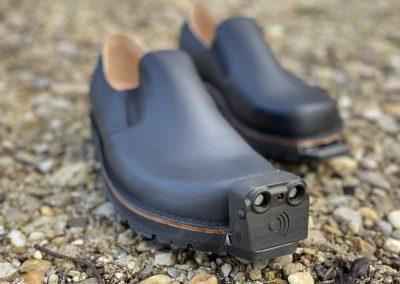 InnoMake auf schwarzen Schuhen_©Tec-Innovation